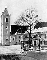 Kostel a škola v Jahringu